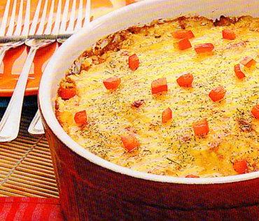 Bulvių ir daržovių apkepas su padažu