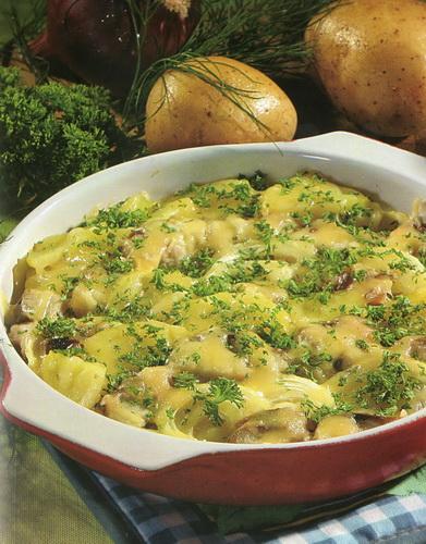Bulvių, silkių ir grietinės apkepo receptas