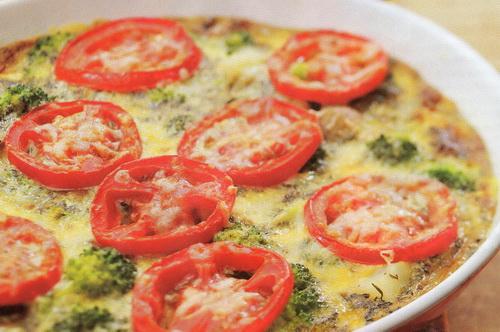 Omletas su pomidorais ir brokoliais