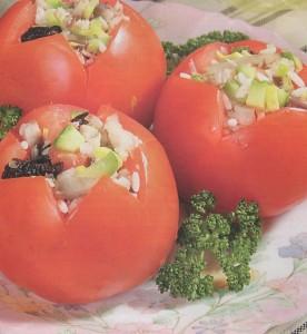 Pomidorai įdaryti skumbrėmis