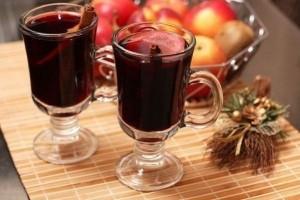 Karštas vyno gėrimas