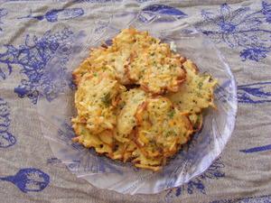 Bulvių kotletai su krevetėmis ir brokoliais