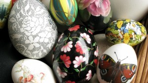 Margumynas - įvairaus dydžio velykų kiaušiniai