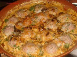 Mėsos tefteliai  grybų ir pomidorų padaže