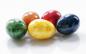Spalvoti marmuriniai kiaušiniai