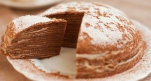 Šokoladinis blynų tortas