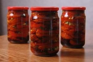 Konservuoti pomidorai žiemai