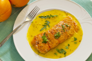 Žuvis su apelsinų padažu
