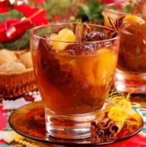 Tirštas gėrimas iš džiovintų vaisių