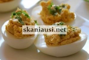 Kiaušiniai įdaryti sūriu