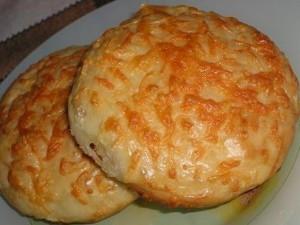 Mielinės bandelės su sūriu