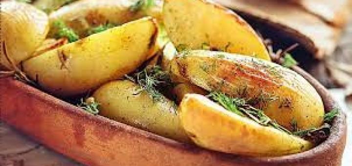 patiekalai is svieziu bulvyciu
