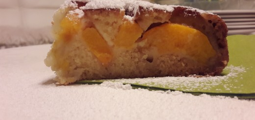 labai paprastas ir skanus pyragas su konservuotais persikais