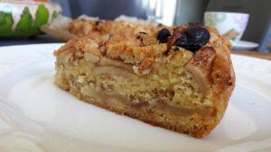 Burnoje tirpstantis obuolių pyragas