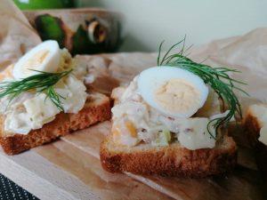 Vištienos, sūrio ir kiaušinių užkandis
